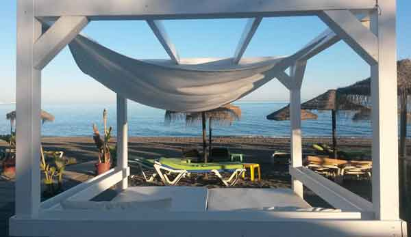 second-home-andalusia chillen-op-Torre-del-Mar-Beach oct-2014