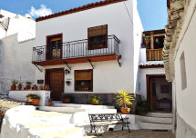 Picture of House for sale with the front elevation of Casa Perejil in Sedella